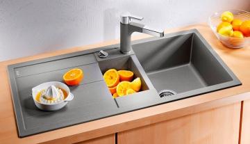 Как выбрать нужную мойку для кухни и какому материалу отдать предпочтение