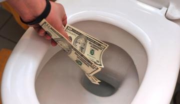 Как сэкономить на новой сантехнике при помощи акрилового вкладыша в ванну